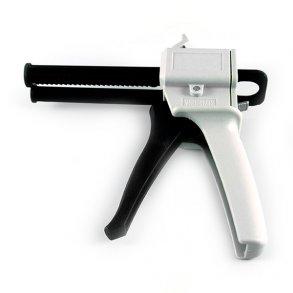 Manual dispensers